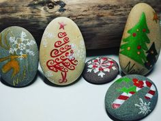 "25 Likes, 2 Comments - Valérie Simonet (@gaia_creation_byvaleriesimonet) on Instagram: ""Galet peint - Noël Hand painted pebble - Christmas  #handmade #handpainted #faitmain #paintedpebble…"""