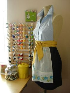 Oh my gosh! This apron is precious! I could make this out of a button up in a heartbeat!(: