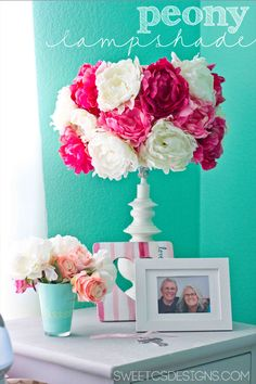 Super Easy and Quick Peony Lampshade - this is such a cute, fun project - perfect for girls rooms!