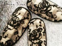 2016年はレース柄をランクアップして新しいトレンドのネイルデザインを楽しんで! オススメのデザインをご紹介♪ Rose Nail Art, Rose Nails, Gel Nail Art, Flower Nails, Beautiful Nail Designs, Beautiful Nail Art, Gorgeous Nails, Pretty Nails, Get Nails
