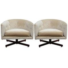 Luxe Pair Of Swivel Milo Baughman Lounge Chairs