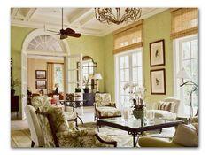 Niermann Weeks Rivoli chandelier hangs in this living room designed by Allison Paladino. niermannweeks.com #NiermannWeeks