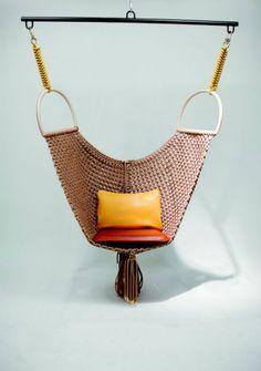 Swing Chair, de Patricia Urquiola para a coleção da Louis Vuitton