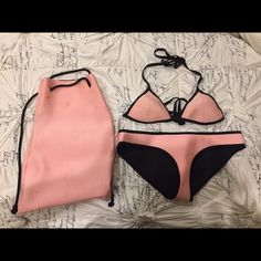TRIANGL bikini Chloe California coral BAG INCLUDED Lightly used x small top and small bottoms bag included triangl swimwear Swim Bikinis