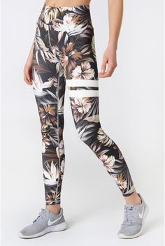 All Flower Power tights are cut in our popular signature high waist fit and made in a super comfy blend of polyester and spandex. Floral Gym Leggings, Women's Sports Leggings, Cute Outfits With Leggings, Legging Outfits, Cute Leggings, Gym Style, Women's Sports Bras, Womens Workout Outfits, Workout Wear