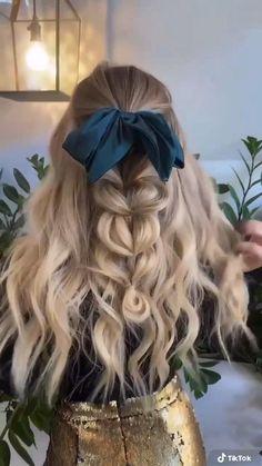 Braided Bun Hairstyles, Short Hair Updo, Braids For Long Hair, Diy Hairstyles, Pretty Hairstyles, Short Hair Styles, Seamless Hair Extensions, Hair Videos, Hair Highlights