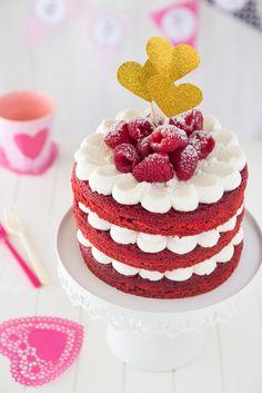 Red Velvet cake with an italian frosting Bolos Cake Boss, Bolos Naked Cake, Naked Cakes, Red Velvet Cake, Red Cake, Fondant Cupcakes, Cupcake Cakes, Chocolate Cupcakes, Bolo Red Velvet Receita