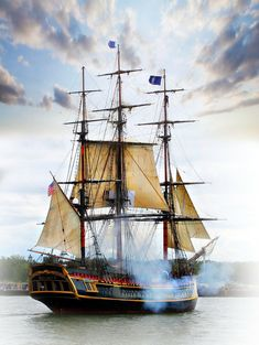 HMS Bounty that visited Tall Ships Festival in Erie,Pa Copyrighted Photo by Lori… Boat Building Plans, Boat Plans, Deck Plans, Tall Ships Festival, Marine Francaise, Hms Bounty, Bateau Pirate, Old Sailing Ships, Wooden Ship