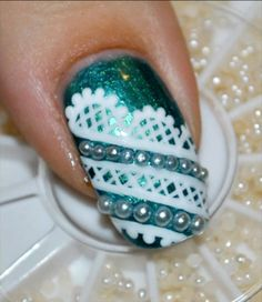 Lace & Pearls...WANT