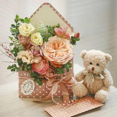 When it comes to Valentine's day, flowers play a big part in shaping it. The classic floral arrangement might not be enough these days, though! Flower Box Gift, Flower Boxes, Flower Cards, Paper Flowers, Bouquet Flowers, Valentines Flowers, Valentines Diy, Valentine Nails, Valentine's Day Flower Arrangements