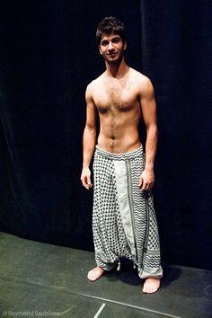 Sarouel Harem pants for Men Kuffieh Style Keffiyeh Palestine Harem Pants Fashion, Harem Pants Men, Pants For Men, Clothes For Men, Mode Masculine, Sarouel Pants, Mode Man, Hommes Sexy, Mens Fashion