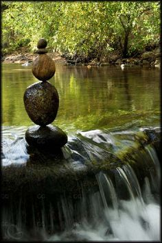 Gravity Glue: An amazing artist using stacked rocks