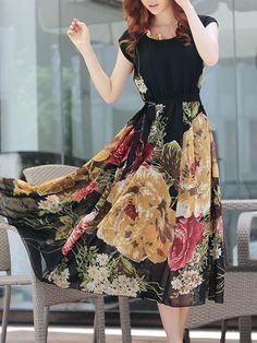 Elegant Round Neck Chiffon Floral Printed Maxi-dress Maxi Dresses from fashionmia.com