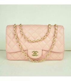 37ce84d45a81 This pink Chanel jumbo flap bag is my dream. I love the delicate