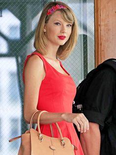 FLORAL HEADBANDS photo   Taylor Swift