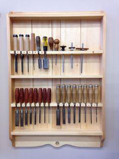 Garage Tool Storage, Workshop Storage, Workshop Organization, Garage Tools, Diy Garage, Garage Workshop, Woodworking Shop Layout, Woodworking Hand Tools, Woodworking Workshop