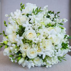 If you're finding it hard to say goodbye to your bridal bouquet, fear not! There are plenty of ways to preserve your wedding flowers Simple Wedding Bouquets, Bride Bouquets, Flower Bouquet Wedding, Floral Bouquets, Floral Wedding, Luxury Flowers, Arte Floral, Post Wedding, Bridal Flowers