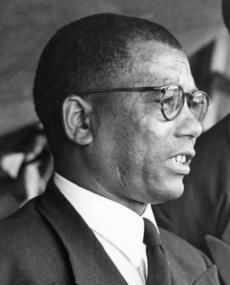 Walter Ulyate Sisulu born 18 May 1912 African National Congress, Jacob Zuma, Black Men, Black And White, History Online, African Nations, Lest We Forget, African History, Black History