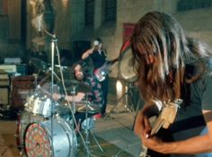 Pink Floyd performs at the Abbaye de Royaumont June 15 1971 David Gilmour Pink Floyd, Atom Heart Mother, Roger Waters, Pretty Lights, Mick Jagger, In The Flesh, Led Zeppelin, Rolling Stones, Music Artists