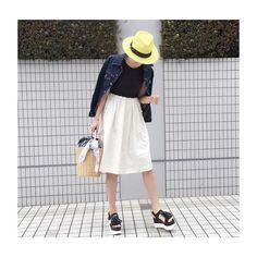 morning!  最近、服装を問わず  なんでも相性がいいので  @STELLARHOLLYWOOD の  #バンダナバスケット は  毎日持っています☆  急に雨が降ってきました  ワンピース #EBELEMOTION  アウター #LECIELBLEU  靴 #jeffreycampbell  帽子 #inverni  鞄 #STELLARHOLLYWOOD  #ig_japan #instagramjapan #ootd #fashion #outfit #coordinate #今日のコーデ #instapic  #ステラハリウッド #ig_photooftheday  #kurashiru #locari #fashionsnap  #STELLARHOLLYWOOD #ママコーデ  #myclozette_ss #マイクローゼット