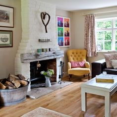 Living room | Take a tour around this stunning 19th-century Sussex cottage | House tour | PHOTO GALLERY | Country Homes & Interiors | Housetohome.co.uk
