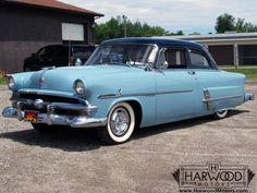 1953 Ford Customline 2-Door Sedan