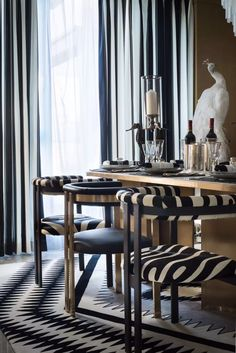 Dining Furniture, Luxury Furniture, Furniture Design, Kitchen Chairs, Dining Chairs, Dining Rooms, Modern Interior, Interior Design, Modern Luxury