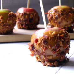 Caramel Bacon Apples - That's right, bacon. You can't make a better recipe than this.