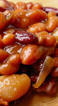 Baked Beans Lumberjack Baked Beans *I would make this without the Bacon, since I don't eat meat of any kind.Lumberjack Baked Beans *I would make this without the Bacon, since I don't eat meat of any kind. Crockpot Baked Beans, Best Baked Beans, Baked Bean Recipes, Crockpot Recipes, Cooking Recipes, Beans Recipes, Vegetarian Baked Beans, Party Beans Recipe, Lima Bean Recipes