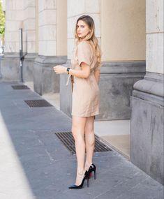 Sexy Legs And Heels, Sexy High Heels, Dress And Heels, High Heels Stilettos, Stiletto Heels, Gorgeous Feet, Beautiful Legs, Beautiful Women, Business Outfits Women
