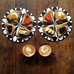 """Un couple de Londoniens a créé """"SymmetryBreakfast"""", un concept étonnant qui fait des petits déjeuners du monde entier des œuvres d'art."""