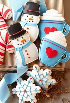 christmas cookies snowflake Weihnachtspltzchen Christmas Cookie Box - Snowman, Snowflake, Mug and Candy Canes - For Christmas Delivery Order By Wednesday, December 2014 Cookies Box, Snowman Cookies, Christmas Sugar Cookies, Galletas Cookies, Fancy Cookies, Iced Cookies, Christmas Sweets, Cute Cookies, Noel Christmas