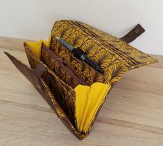 Portefeuille Complice jaune et marron de Fanny - patron Sacôtin