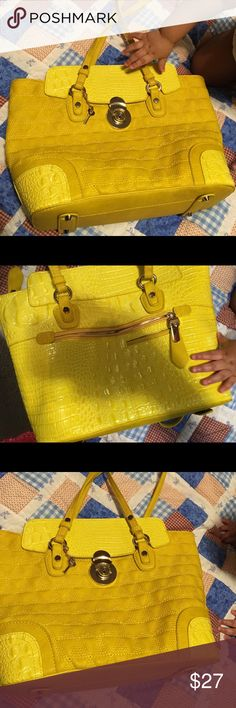 New yellow purse that my son wants to eat Purse new no smell or stain Someone get it before my baby eats it Bags Shoulder Bags