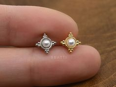 NEW ‣ Pearl Clusters Cartilage Earring, Conch, Tragus Earring, Cartilage Piercing, Unique Piercing Jewelry - Cartilage Earrings - Medusa Piercing, Tragus Piercings, Cartilage Earrings, Peircings, Septum, Delicate Jewelry, Unique Jewelry, Barrett, Conch Earring