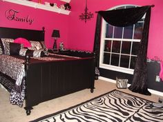 I'm IN LOVE with this zebra bedroom!!! Ordering my new bed set Friday to get started on my dream bedroom...although I can't paint the walls bc it's wood!
