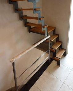 ÜP : échelle / escalier compact pour chambre ou grenier Small Attic Room, Attic Rooms, Loft Room, Bedroom Loft, Home Room Design, House Design, Loft Conversion Stairs, Stair Shelves, Stairs To Heaven