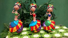 Fika a Dika - Por um Mundo Melhor: Artesanato com Cabaça do Construindo Arte Bottle Art, Bottle Crafts, Diy And Crafts, Paper Crafts, Gourd Crafts, African Crafts, Clay Design, Decorated Jars, Shell Art