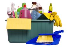 Limpia tu casa creando tus propios productos de limpieza