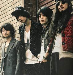 [Champagne]2013/3/28「ROCKIN'ON JAPAN」5月号 Rock Bands, Champagne, Punk, Japan, Magazine, Style, Fashion, Swag, Moda