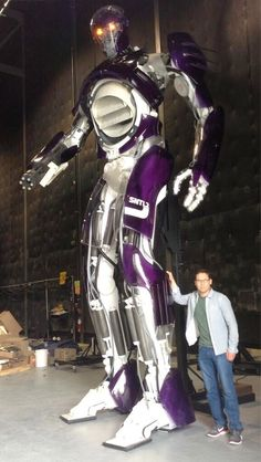 The 'X-Men: Days Of Future Past' Sentinel Is A Giant Purple Mutant-Hating Robot, As It Should Be