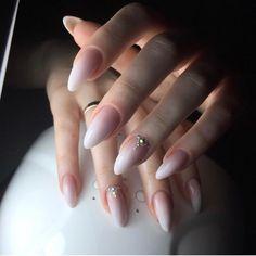 Modele unghii de mireasa I Manichiura pentru nunta Weding Nails, Mani Pedi, Manicure, Glamour Nails, Mamma Mia, Ss, Women's Fashion, Fingernail Designs, Weddings