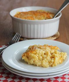 Best mac and cheese recipe! Super creamy, baked macaroni and cheese hilahcooking.com