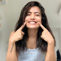 Stylish Boys, Stylish Girls Photos, Girl Photos, Hd Photos, South Indian Actress Photo, Indian Actress Photos, South Actress, Beautiful Girl Image, Beautiful Smile