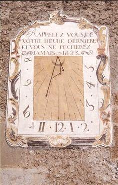 Cadran solaire sur la façade de l'église Saint Sébastien datant du 16ème siècle.de Plampinet est un hameau de Névache Sundial, Logs, Facade, France, Saint, Watches, Friends, Mosaics, Clocks