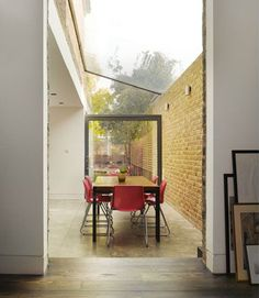 side return extension - Bustler: Platform Hackney House Extension Wins New London Architecture Competition London Architecture, Interior Architecture, Interior And Exterior, Interior Design, Extension Veranda, Glass Extension, Side Extension, Victorian Terrace, Victorian Homes