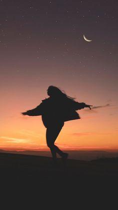 Träumen in der Nacht – Beautiful Wallpaper - Caitlyn Photo's - Pin Tumblr Wallpaper, Wallpaper Backgrounds, Die Wallpaper, Mobile Wallpaper, Tumblr Photography, Landscape Photography, Portrait Photography, Photography Ideas, Iphone Photography
