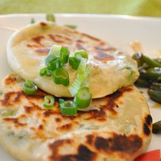 These savory green onion pancakes make a great accompaniment to grilled meat or chicken. Honey Sesame Chicken, Honey Walnut Shrimp, Easy Chinese Recipes, Asian Recipes, Asian Foods, Mexican Recipes, Onion Cake Recipe, All You Need Is, Regrow Green Onions