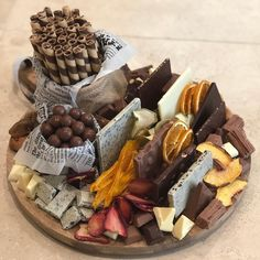 Today's classic chocolate board with added dried fruit - definitely one of our favourite (and most popular) combos 👌🏻👌🏻 Party Food Platters, Party Trays, Food Trays, Party Snacks, Chocolate Party, Chocolate Sweets, Finger Snacks, Antipasto, Dessert Platter