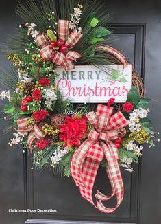 15 Most Creative Christmas Door Most Creative Christmas Door Themes: & Maroon Door - Diy Crafts You & Home Design Grapevine Christmas, Woodland Christmas, Holiday Wreaths, Rustic Christmas, Christmas Crafts, Christmas Ornaments, Christmas Christmas, Grapevine Wreath, Primitive Christmas